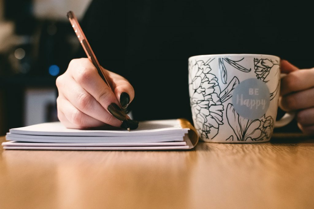 Hire Employees Who are Good at Writing - Avoid Hiring Specialists